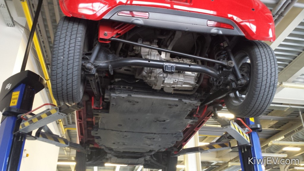 View underneath Peugeot iOn - 1