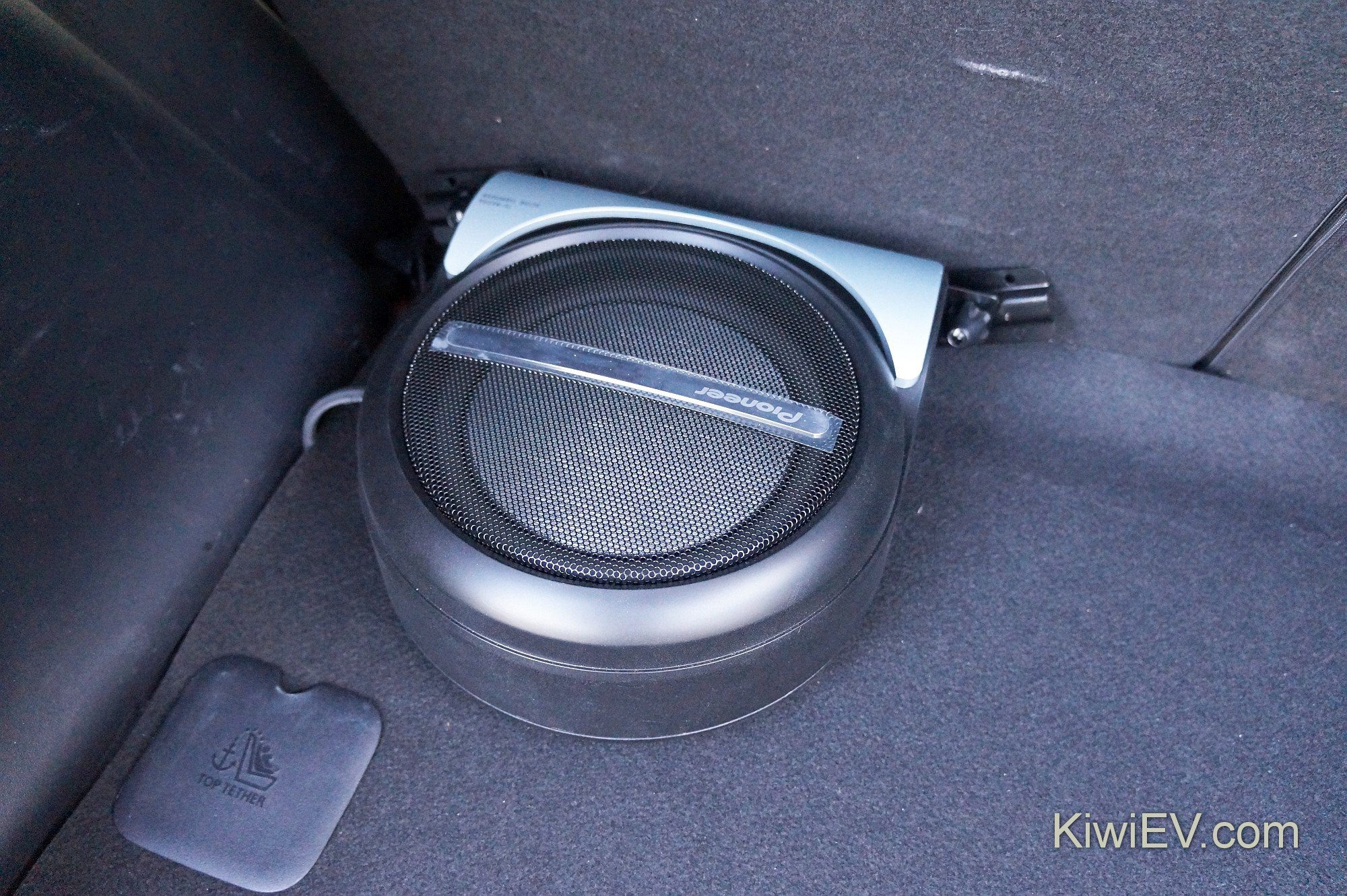 New Stereo And Subwoofer In The Electric Car