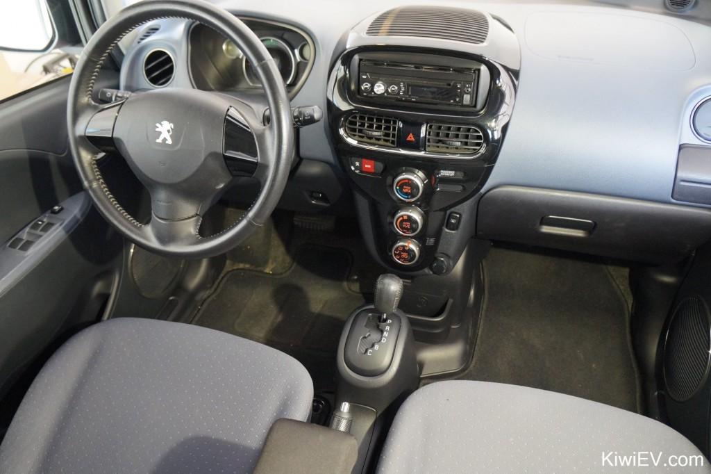 Mitsubishi imiev gear change shifter plate installe in Citroen C-Zero Peugeot iOn to unlock regen gears for more regenerative braking in C mode and B mode on kiwiev.com